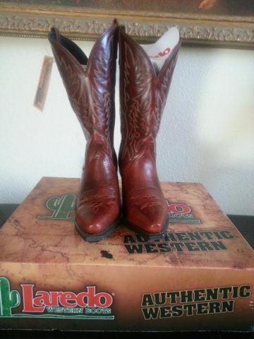 Authentic Western Laredo Cowgirl Boots