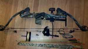 Awesome Compound Bow - Golden eagle - mint! - $100