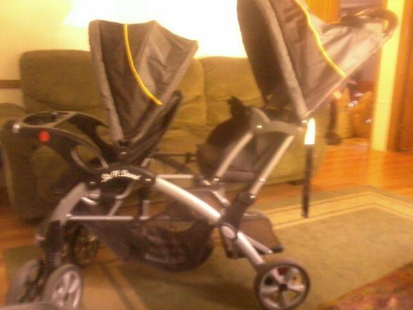 Baby Trend Sit n Stand double stroller. - $100 Deposit,ny