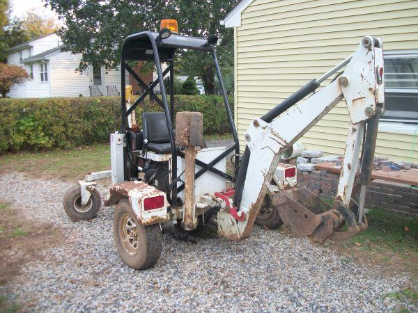 Backhoe Go-for-Digger Towable - $3995 (Newington)