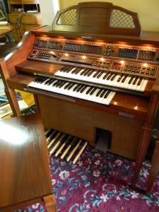 Baldwin Organ Models http://augusta-ga.americanlisted.com/music-instruments/baldwin-organ-model-190-encore-700-martinez-ga_21491751.html