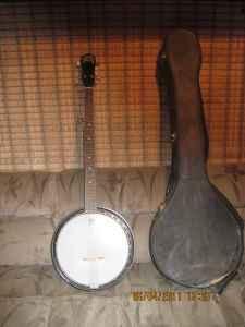 banjo - $250 eugene