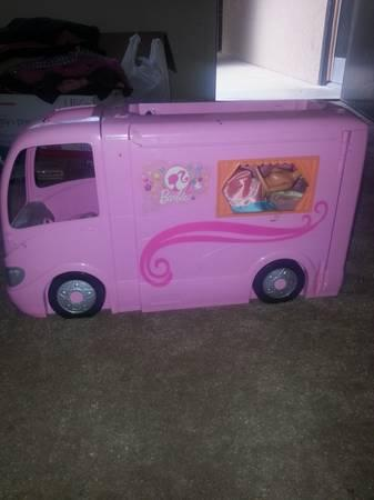barbie rv - $10