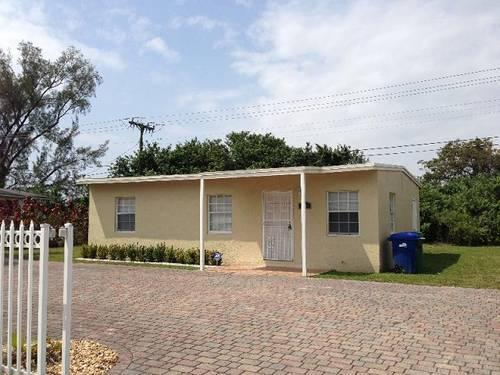 Bargain Price Property 3 Bedroom 1 Bathroom House Miami