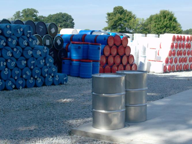 Barrels drums buckets water tote containers for sale in athens alabama classified - Water garden containers for sale ...
