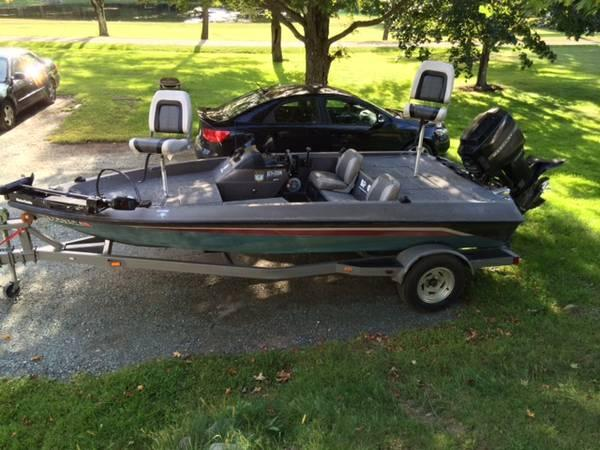 Bass boat 17 39 basstracker 1600tf for sale in averill for Tracker outboard motor parts