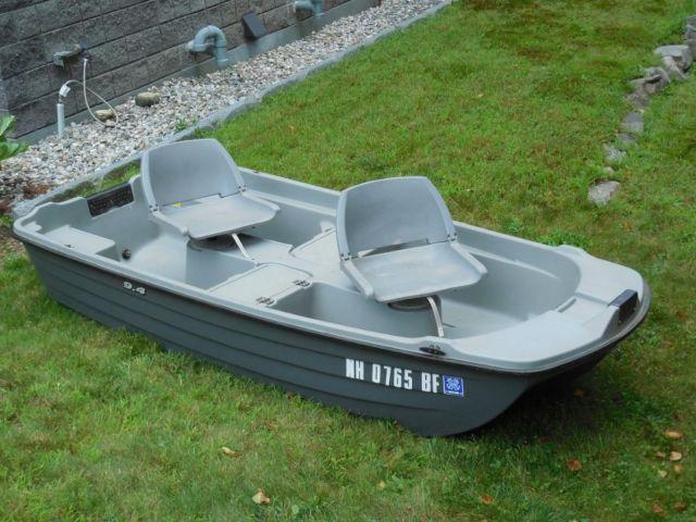 Bass Boat 9 4 Quot Two Man Swivel Seats Two Lockers Takes