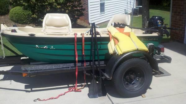 Bass hound 9 4 two man boat motors trailer for sale in for Boat motors for sale in sc