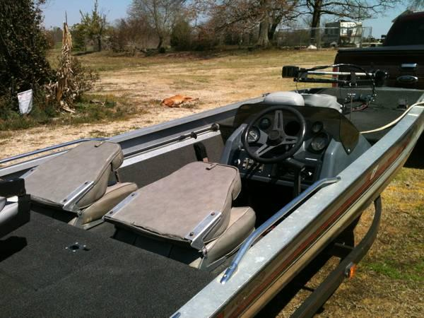 Bass Tracker Pro 1989 One Owner For Sale In Tuscumbia