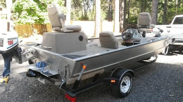 Bass Tracker Sportjet 185 - $7500