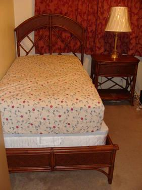 Bassett 5 Piece Bedroom Set