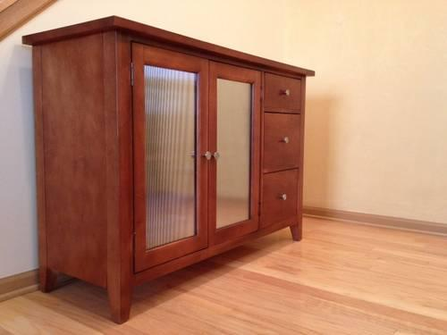 Bassett Versailles New And Used Furniture For Sale In The USA   Buy And  Sell Furniture   Classifieds   AmericanListed