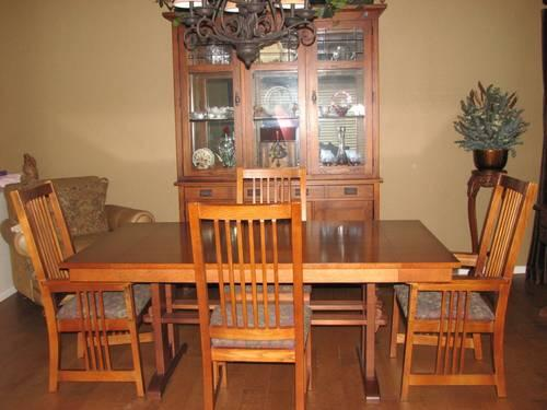 Bassett mission formal dining room kitchen table w 2 leafs for sale in mesa arizona classified - Mission style dining room furniture ...