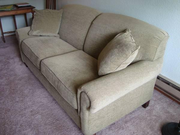 Bassett Sofa 10 Months Old New Price For Sale In