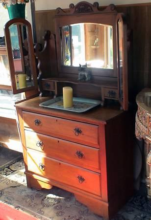 Batwing Vanity Dresser 3 Drawers Rare Antique For Sale
