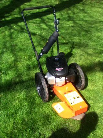 Bearcat Wheeled Trimmer - $560 (Nahaham Canyon)