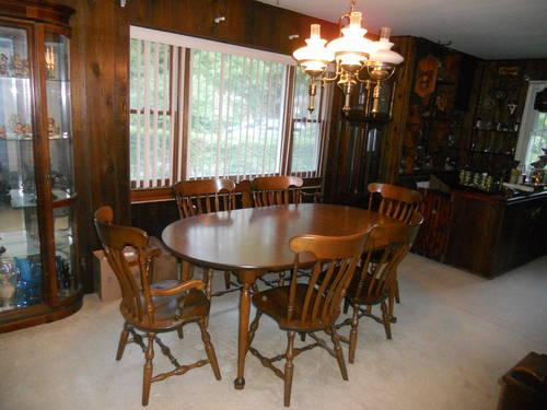 Beatiful Large Walnut Color Colonial Dining Room Set For