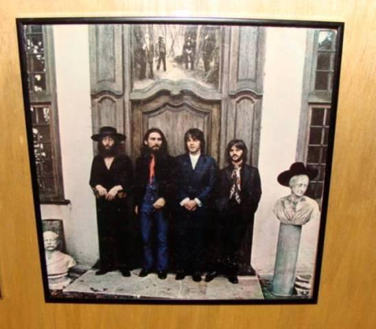 BEATLES AGAIN APPLE [VINYL LP] FRAMED