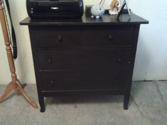 Beautiful 4 Drawer Black Chest of Drawers