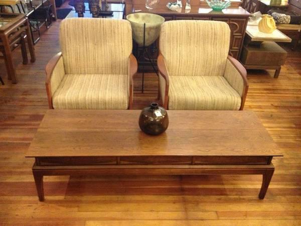 Beautiful 6 Vintage Walnut Coffee Table 295