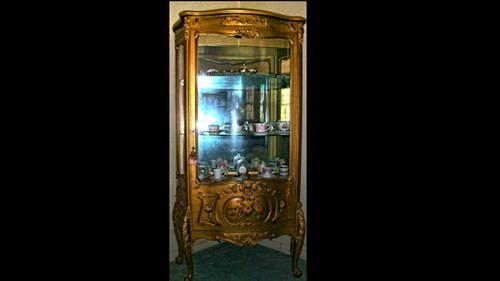~*~Beautiful Antique Display Case - Price Reduced~*~