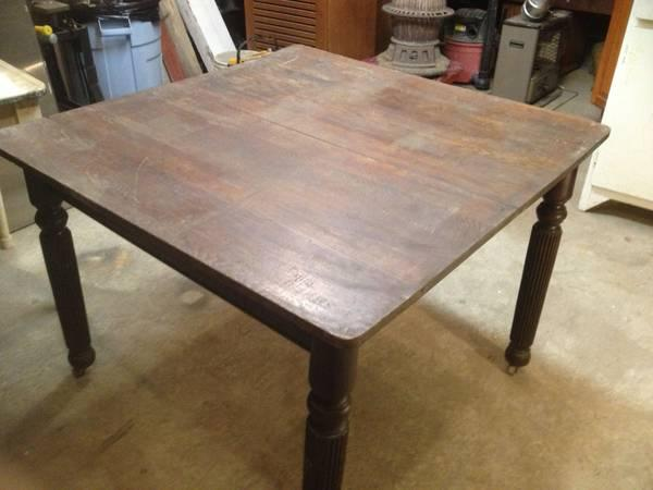 Beautiful Antique Walnut Dining Table For Sale In Whitehall