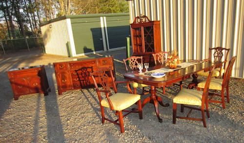 Beautiful Bernhardt 10 Pc Chippendale Mahogany Dining Room