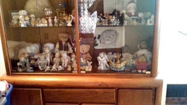 BEAUTIFUL CHINA CABINET