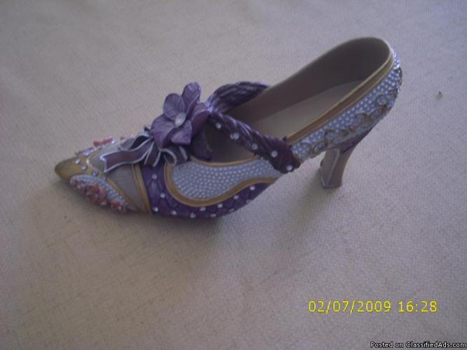 Beautiful Decorated Antique Display Shoe For Sale In Lady Lake Florida Classified