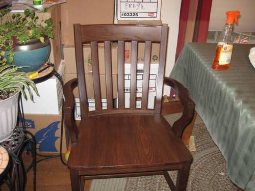 beautiful dining room table with 6 chairs from pottery