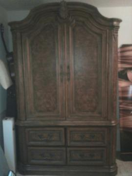 Beautiful Drexel Heritage Armoire S Charlotte For