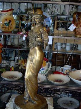 Beautiful Floral Green Vintage Lamp