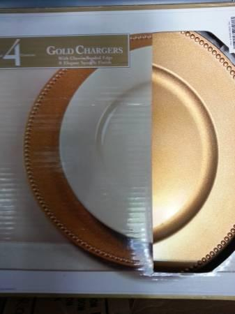 Beautiful Gold Charger Plates - $1