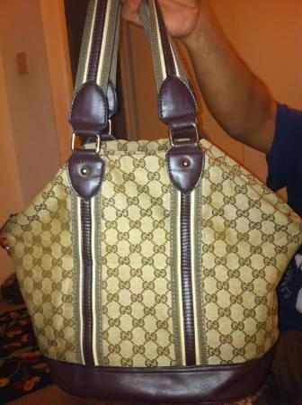 Beautiful Gucci hand bag replica - $30