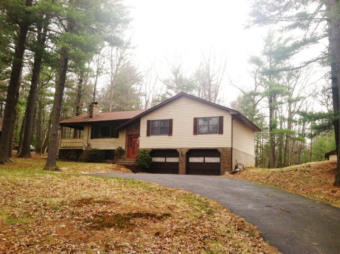 beautiful large home just minutes from the town of milford