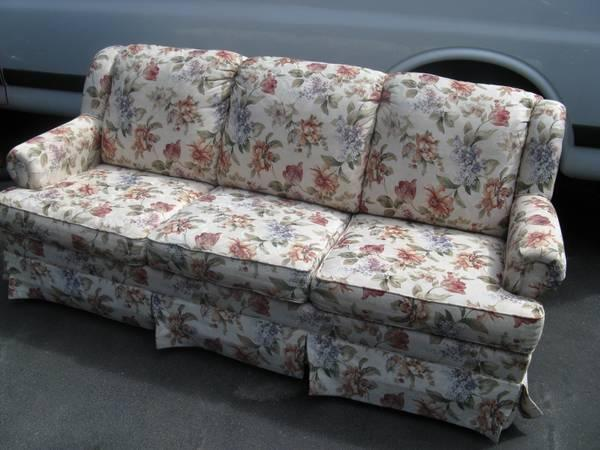 Beautiful Like New Lazyboy 7 Foot Couch. Hardly Used For Sale In Holladay,  Utah