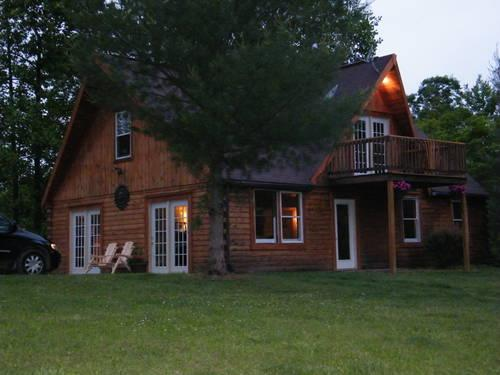 Beautiful Log Home In Country With Fully Stocked Pond For