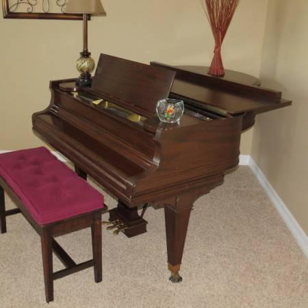 BEAUTIFUL Mason  Hamlin Baby Grand Piano - $7000
