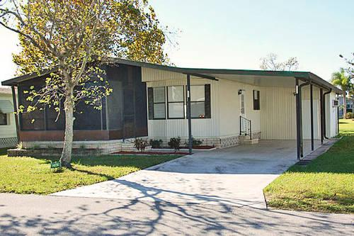 Beautiful Remodeled 2 Bed 2 Bath Home in Premium 55+