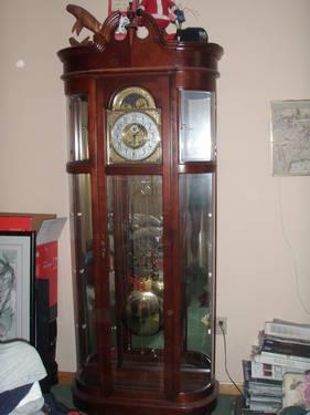 Beautiful Ridgeway Lighted Glass Curio Cabinet Grandfather