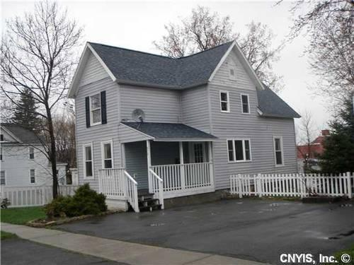 Beautiful single family home for rent in city of watertown for American family homes for rent