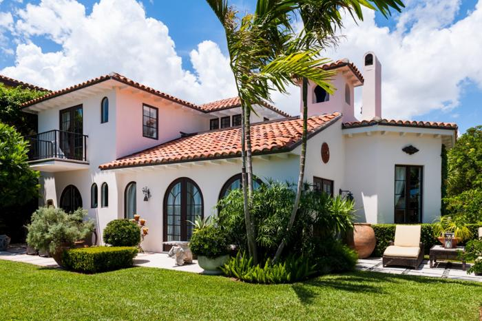 Beautiful spanish mission style home for sale in west palm for Spanish style homes for sale