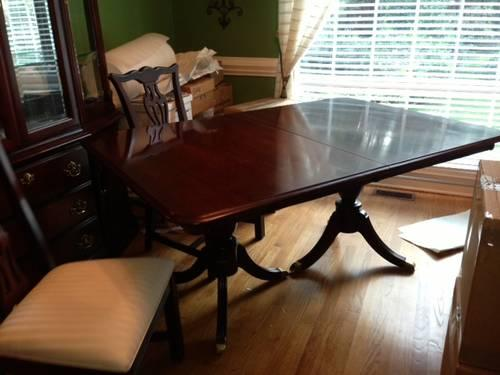 Beautiful Virginia House Dining Room Set W Chairs And