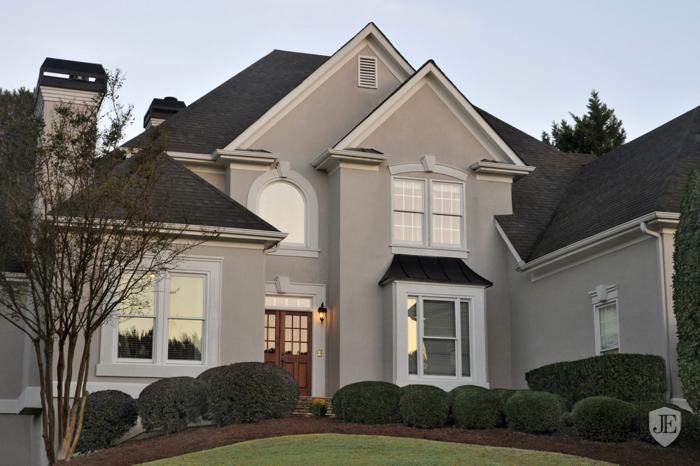 Beautifully Updated European Traditional in Johns Creek
