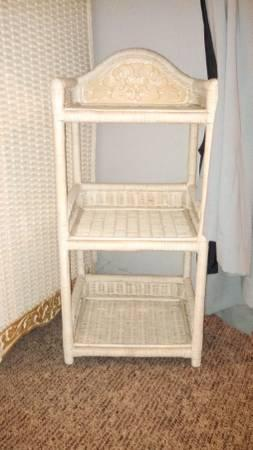 bedroom furniture set pier 1 wicker excellent condition for sale
