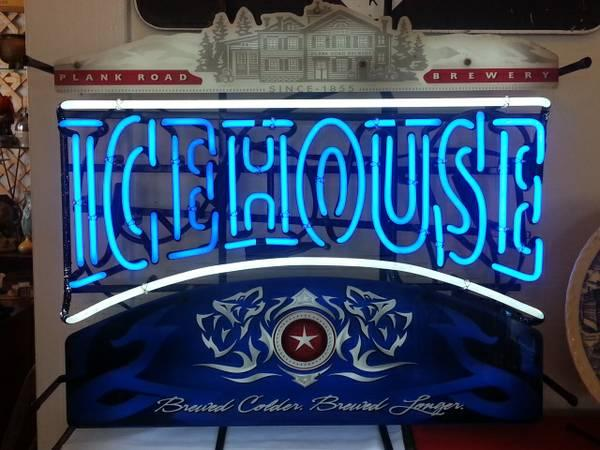 Beer signs & neon! Icehouse, Miller Lite, Budweiser! Shop