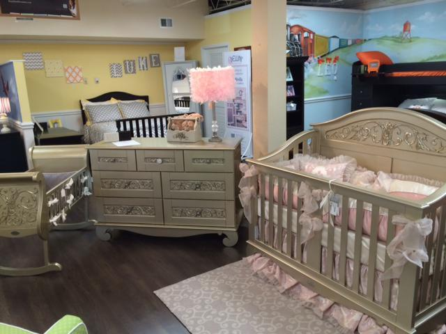Bellini Bratt Decor Young America Dutailier Beds Cribs
