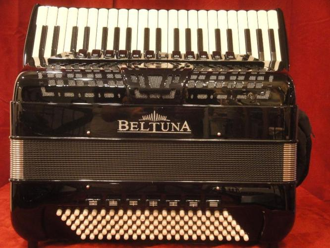 Beltuna Piano Accordion Prestige IV LMMH 120 Made in Italy