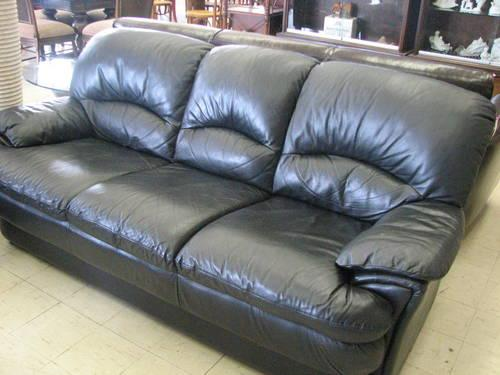 Quot Benchcraft Quot Navy Blue Leather Sofa For Sale In Fort Wayne