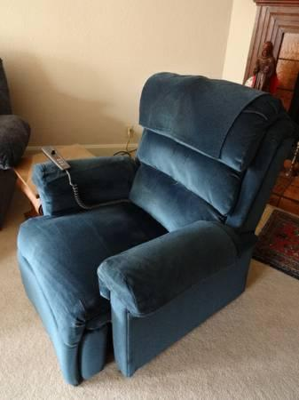 Berkline Liftchair Recliner With Heat U0026 Massage   $399